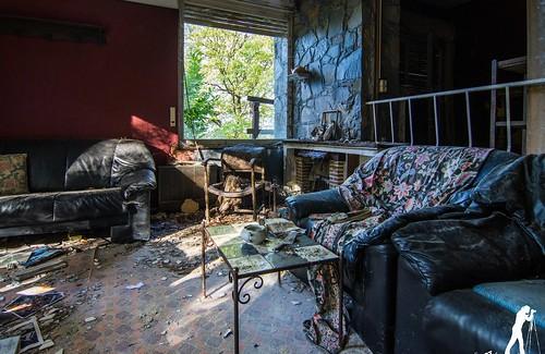 Lost Places: Das weiße Haus   by smartphoto78