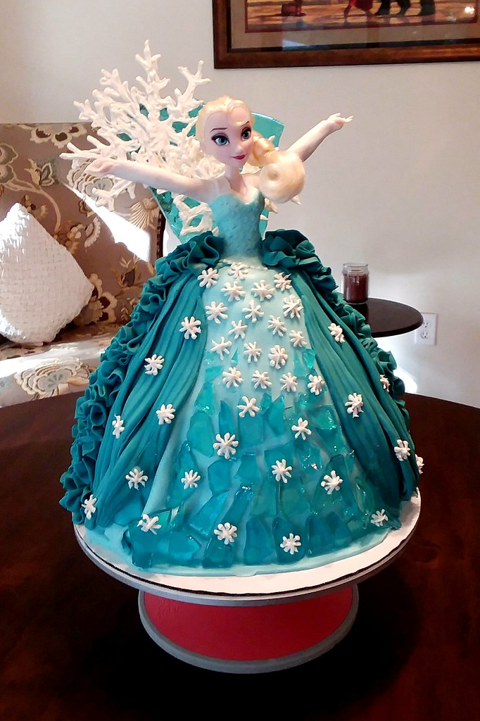 My Wife Made This Elsa Princess Cake For A 3 Year Old Girl