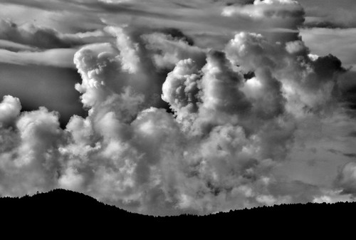 cloud cloudscape blackandwhite monochrome cumulous saanich britishcolumbia dramatic contrast christmashill