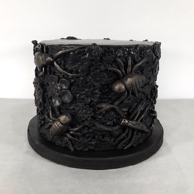 Halloween flowers and bugs cake