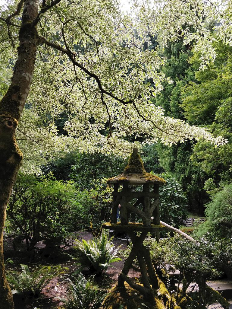 Wooden Lantern In The Japanese Garden Ruth Hartnup Flickr