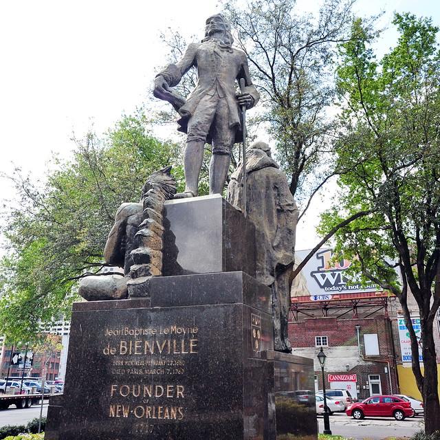 Jean Baptiste Le Moyne de BIENVILLE  Monument 01