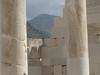 Naxos, chrám bohyně Démétér, v pozadí Mount Zeus, foto: Petr Nejedlý
