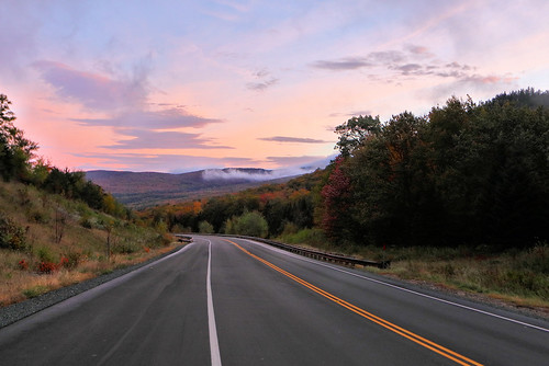 kinsmannotch morning daybreak fall autumn canon eos road highway newengland newhampshire beauty landscape nature woodstock nh