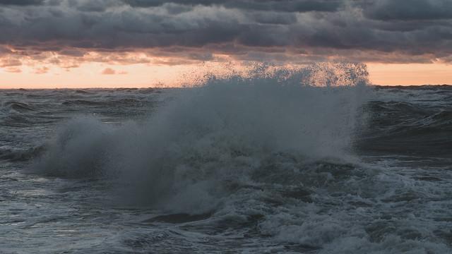 a short story about an evening wave