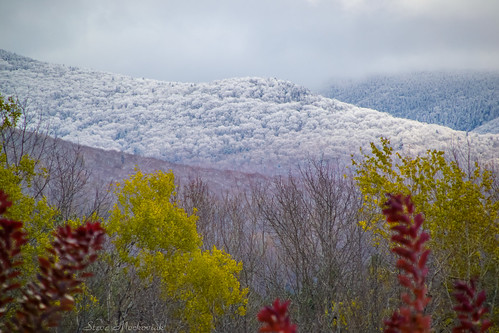 smack53 mendon vermont picomountain mountains snow snowfall snowy snowstorm snowscape fall fallseason fallcolors foliage autumn autumnseason autumncolors nikon d3100 nikond3100