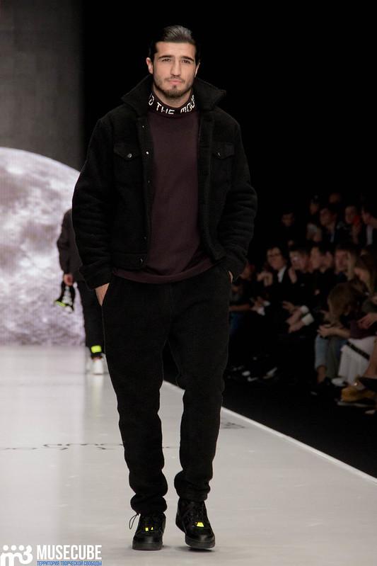 mercedes_benz_fashion_week_black_star_wear_033