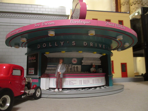 Dolly's Drive-In by Ertl   by IFHP97
