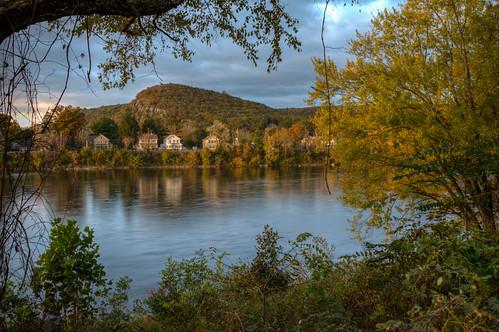 autumn fall morning landscape sunrise matamoras pa pennsylvania delawareriver matadorspennsylvania river water