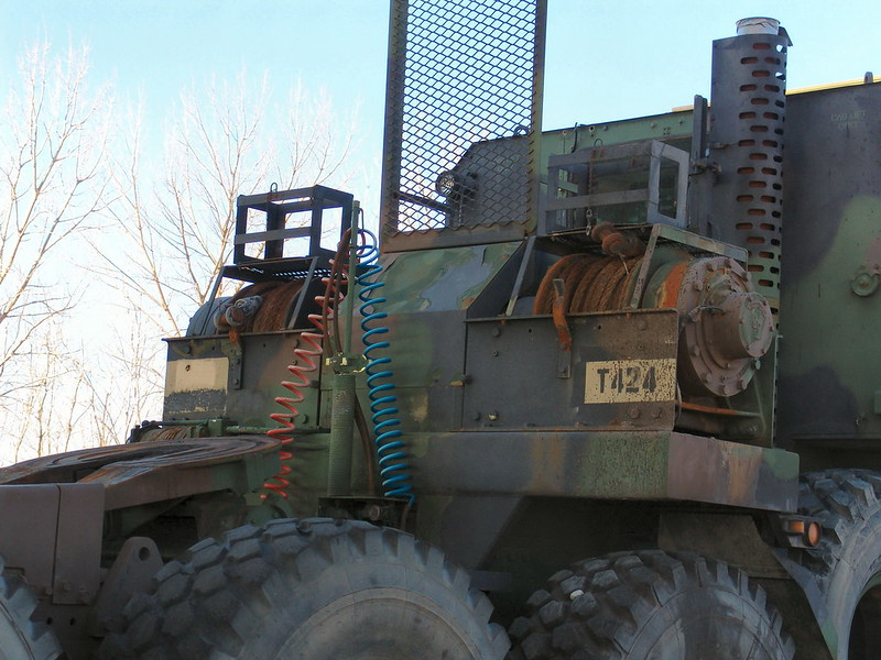 M1070 Heavy Equipment Transport 2