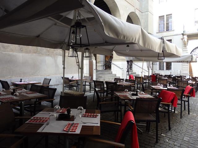 Café on the Rue du Soleil-Levant