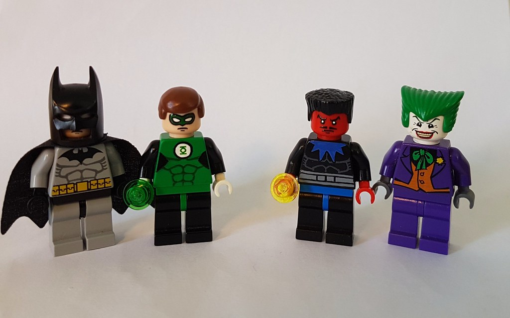What if lego had made justice league characters back in 20