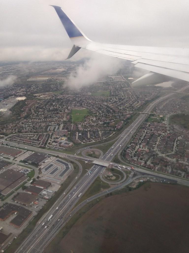 美联航航班于多伦多起飞