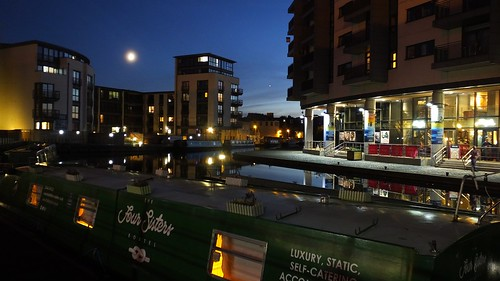 Union Canal, autumn evening 01 | by byronv2