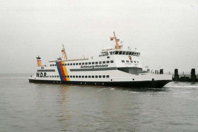 W.D.R.: Autofähre MS SCHLESWIG-HOLSTEIN erreicht den Hafen Dagebüll