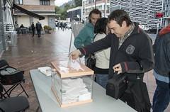 Un momento de la votación popular para decidir la ubicación del nuevo aseo público de San Lorenzo.