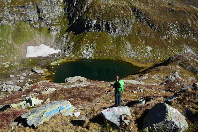 Via Alta Idra 2° giorno – Capanna Basodino 1856m – Lago Nero 2387m – Bocchetta Lago Nero 2563m - Diga del Naret 2311m – Bivio Forna 2048m – Passo Sassello 2336m – Capanna Garzonera 1993m