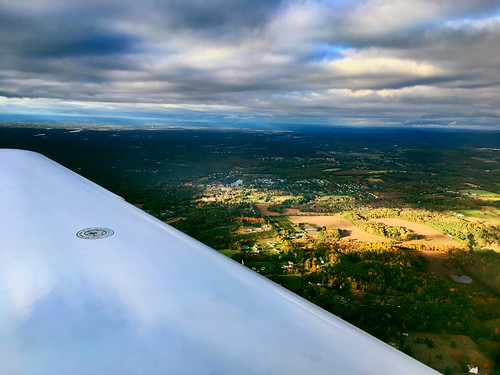 generalaviation wing clouds fallfoliage connecticut 2000feet cirrus