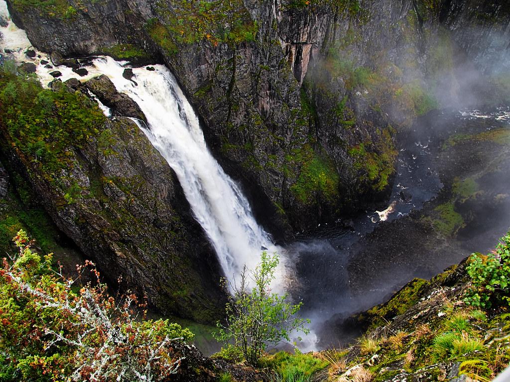 881 Wasserfall in Norway