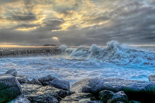 cabrillobeach ocean waves surf sanpedro pacificocean sunrise clouds