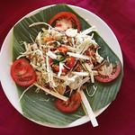 Salat aus Macambo-Samen und gehobelten Palmherzen