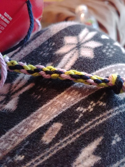 Circle Weaving 2