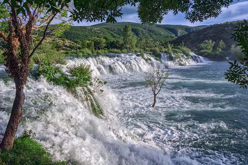 kroatien zrmanja fluss gewässer obrovac landschaft wasserfall