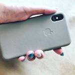 iPhone歴10年目にして初めて純正カバーを買いました🙌 さすが純正! 細部までぴったりフィット #iPhoneカバー #apple純正ケース #iphonexsケース #iphonexs #トープ