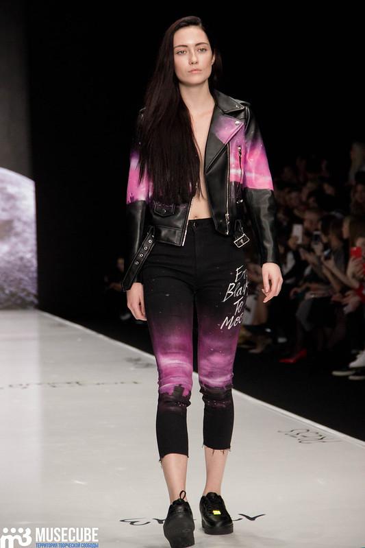 mercedes_benz_fashion_week_black_star_wear_019