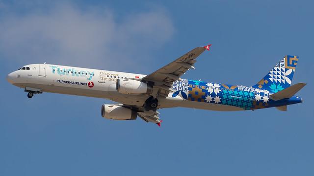 TLV - Turkish Airlines Airbus A321 TC-JRG