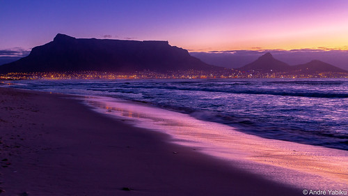 capetown southafrica africa atlanticocean sea beach sunset bluehour mountain tablemountain milnerton