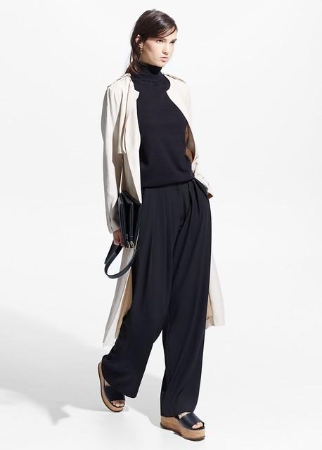 Style Inspiration : sleek minimal turtleneck, long jacket, flowy pants & wedge sandals #style #fashi…