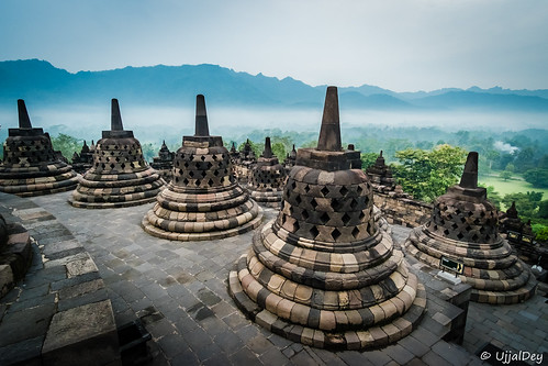 fujifilm indonesia borobudur travel ujjal ujjaldey xseries xe2s yogyakarta traveller sunrise mist buddhist buddhism culture temple unescowroldheritage unescoworldheritage samyang 12mm wide wideangle