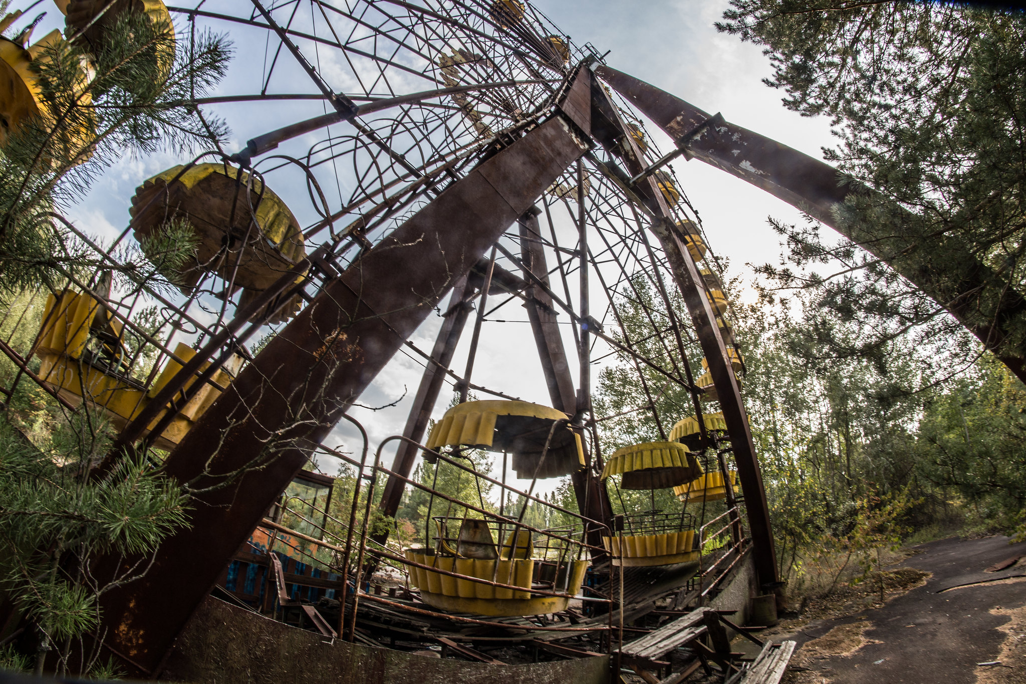 CHERNOBYL 30 YEARS AFTER — Public Domain CC060905-Tschernobyl 30 Years After | Public Domain CC0