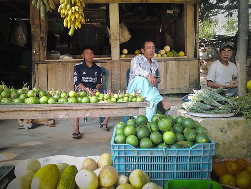 bandarban fruit market tribal marma bawm bangladesh cht chittagong traditional tribalsmoker happyman colorful chimbukhill peak69 road food hilly