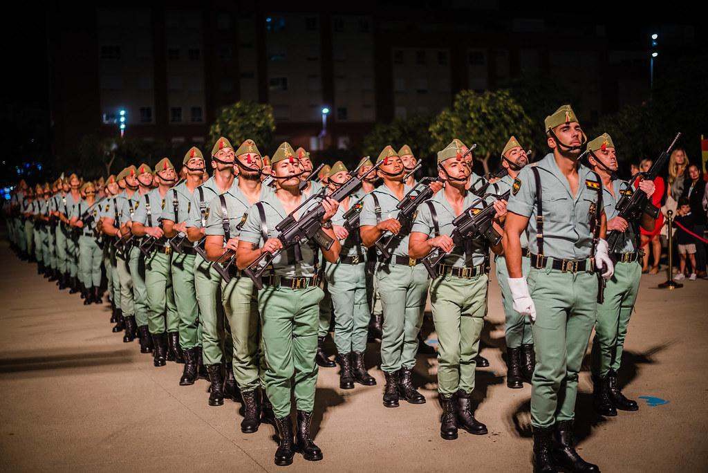 La Legión hace un Homenaje a la Bandera