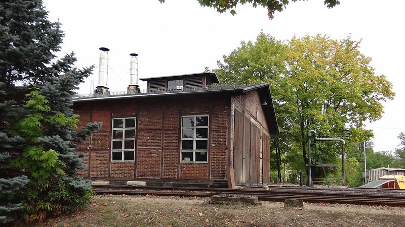 Am 31. Mai 1991 verkehrte der letzte Güterzug von Radebeul nach Radeburg,  Fracht wurde mit  Reisezügen, als Personenzug mit Güterbeförderung (PmG) transportiert. Am 21. Mai 1993 endete der Güterverkehr endgültig  00237