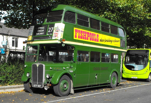 RT 1700, KYY 527, AEC Regent III @ High Wycombe (1)