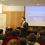 Profesor de la Universidad de Harvard visitó Derecho UC