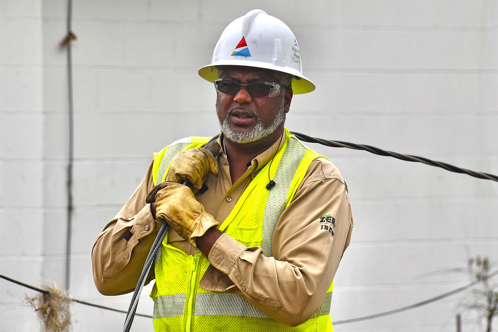 Alabama Power hooking up homes in Lynn Haven
