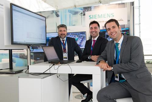 Team de Siemens Industria en el II Congreso de Industria Conectada 4.0