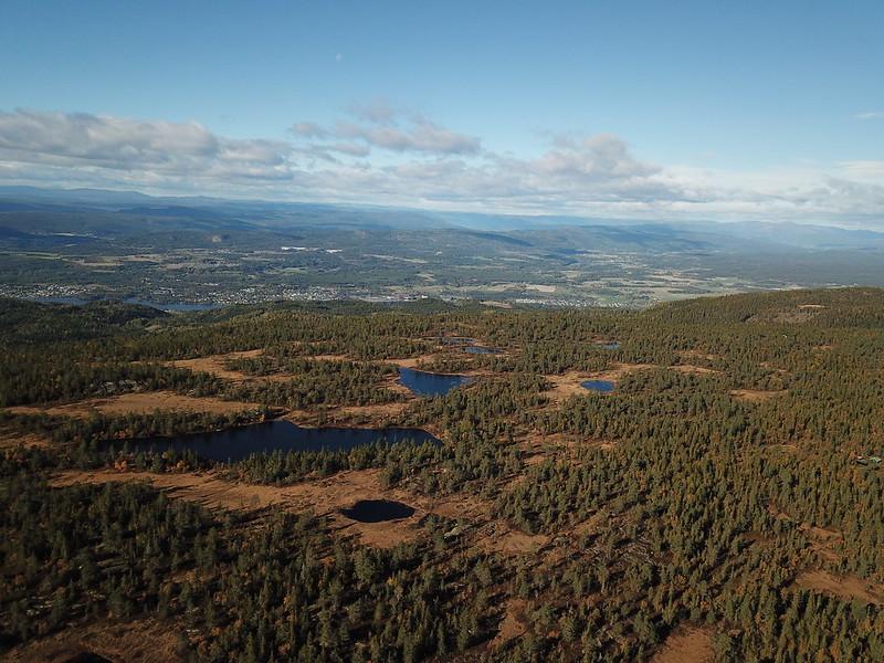 42-Utsikt vestover mot Modum fra Hovlandsfjell (drone)