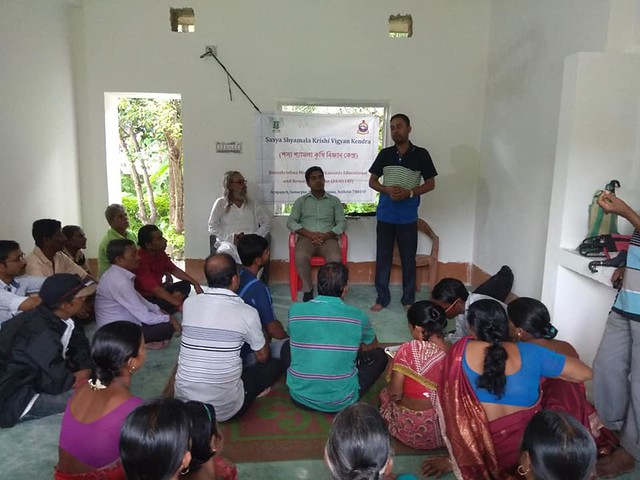 Training on Management of pest and disease of cucurbits with special attention to fruitfly and wilt at Balarampur village of Budge Budge I