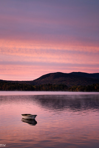 fall dublin lake new hampshire sunrise morning calm england foliage