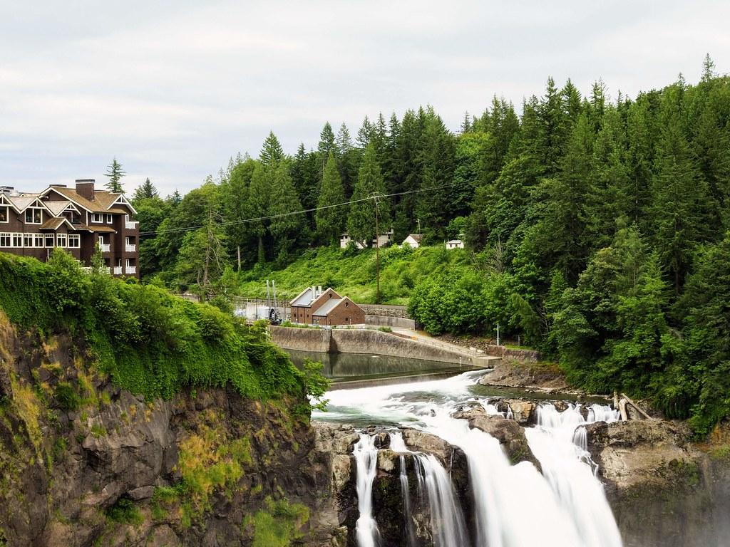 Snoqualmie Waterfall in Seattle, WA