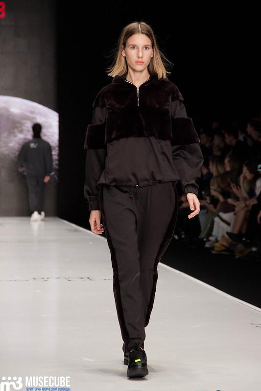 mercedes_benz_fashion_week_black_star_wear_010