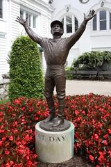 Pat Day statue - Churchill Downs