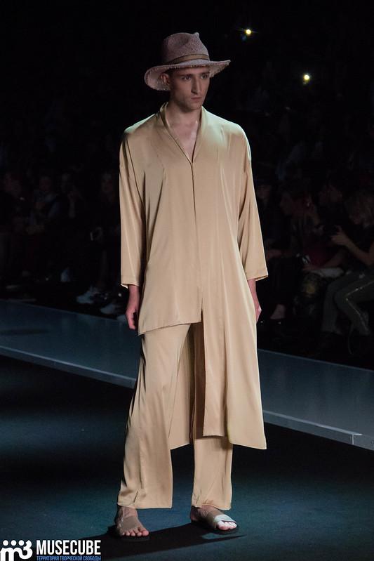 mercedes_benz_fashion_week_goga_nikabadze_053