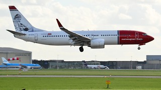 Norwegian Air Shuttle Boeing 737-8JP(WL) LN-DYA 'Erik Bye'   by TomiFülesi