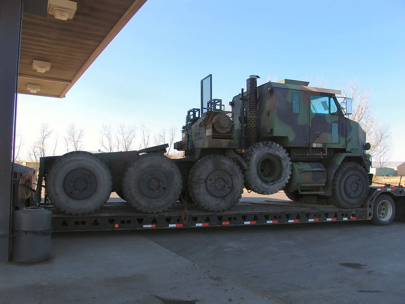 M1070 Heavy Equipment Transport 1